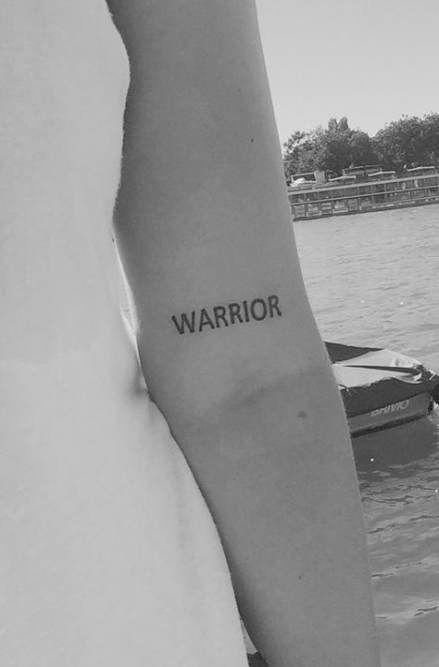 Tattoos rippen frauen Kleine Tattoos